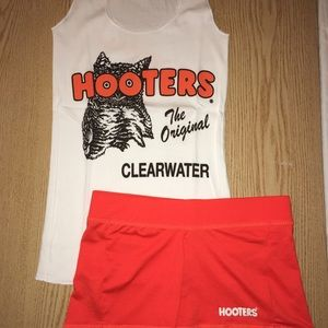 Hooters Girl Tank & Shorts Medium/Small